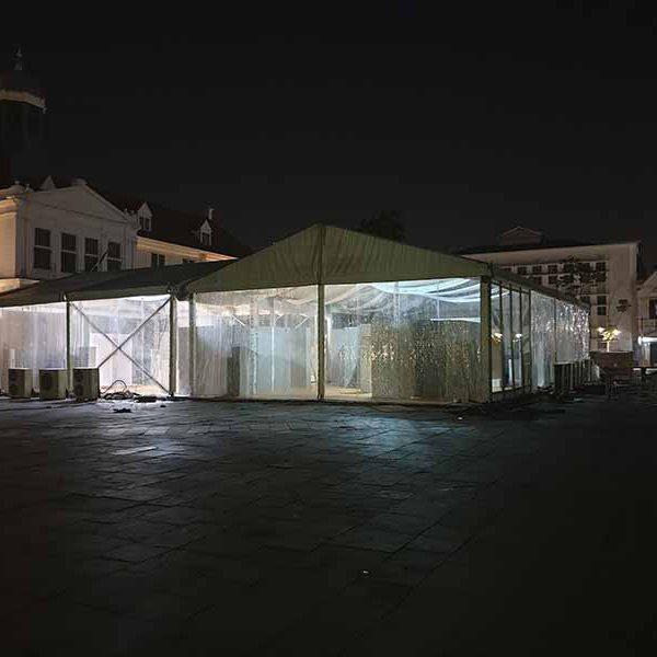 Pengerjaan Tenda Roder Transparan